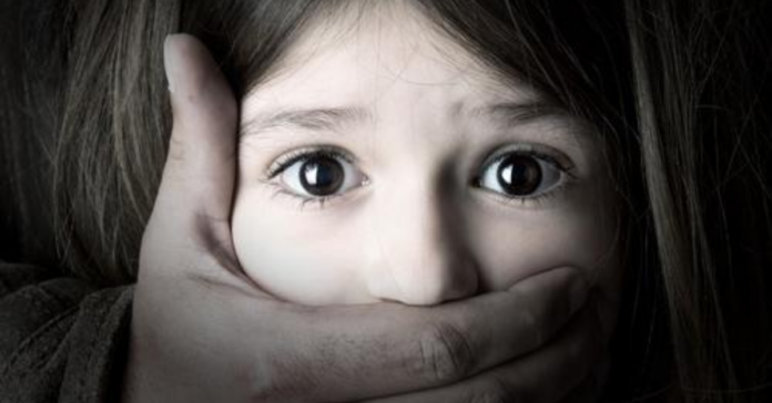 a-father-raped-her-6-years-old-daughter