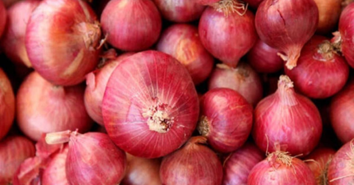 new-diseases-are-spreading-froms-onion-every-one-panicked